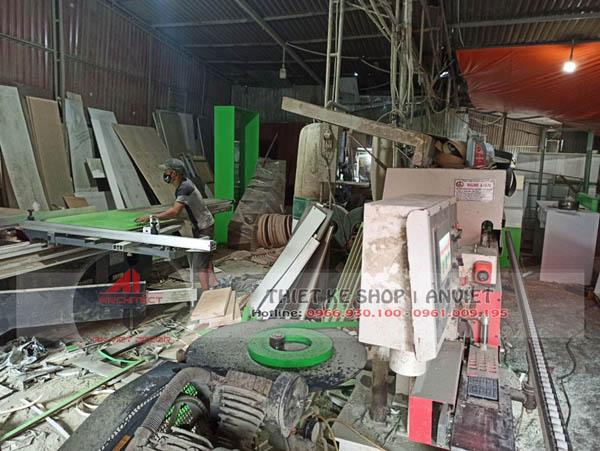 Ảnh xưởng sản xuất đồ gỗ Mẫu Thiết Kế Cửa Hàng