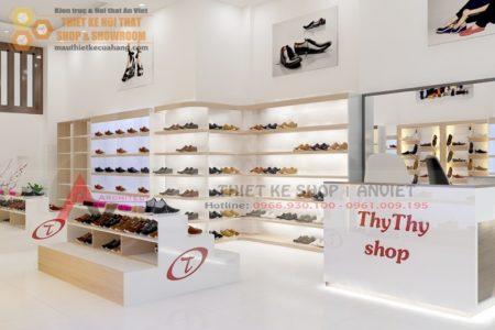 Mẫu thiết kế cửa hàng giày dép hiện đại 40m2 Chị Trang