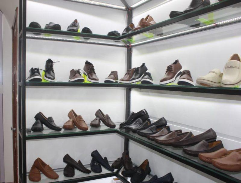 Ảnh thi công hoàn thiện shop giày dép ở hà nội