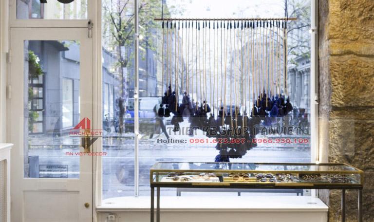 Mẫu thiết kế cửa hàng kính mắt sang trọng 50m2 4