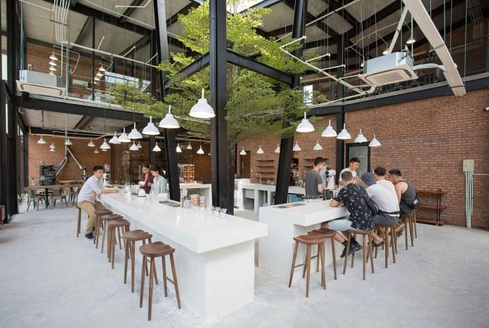 Quán cafe 43 Factory phong cách công nghiệp