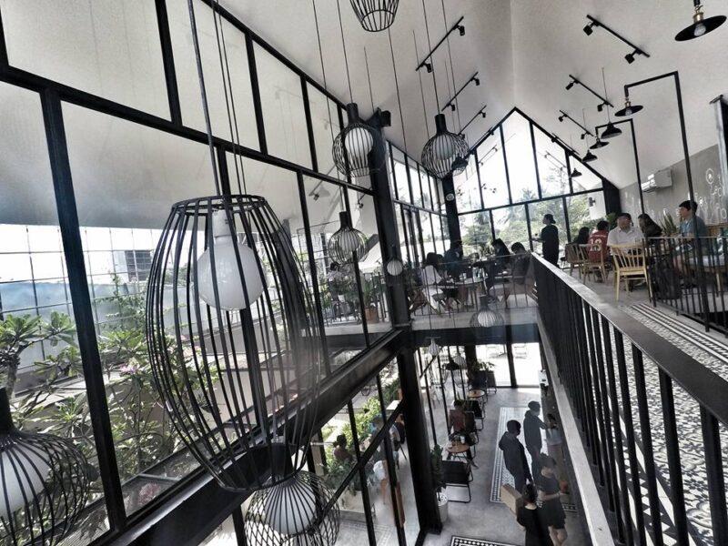 Quán Cafe Sweet Home Coffee - Bến Tre được thiết kế theo phong cách công nghiệp